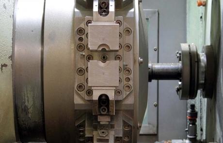 Lavorazioni CNC di particolari stampati a caldo in ottone e alluminio