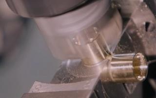 lavororazioni CNC su macchine transfer robotizzate