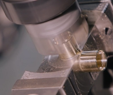 Präzisionsbearbeitung auf CNC Transfermaschinen