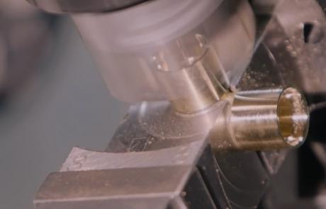 Mega a Vestone offre lavorazioni CNC su transfer